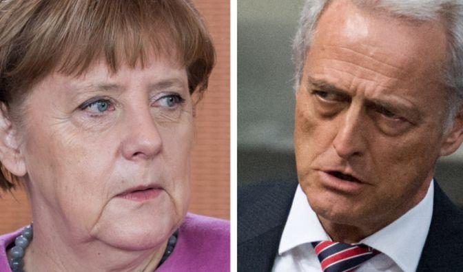 Ramsauer greift Merkel an. Ihre Politik sei Schuld an den schlechten Wahlergebnissen. (Foto)