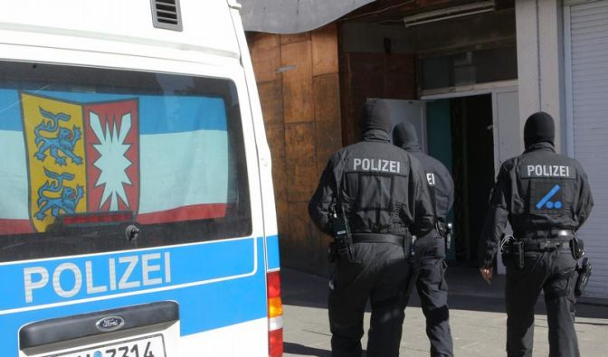 Razzia mit 1000 Polizisten gegen Rockerkriminalität (Foto)
