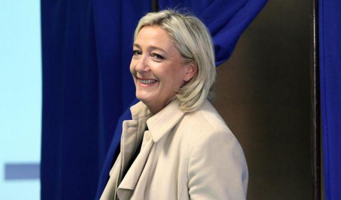 Rechtsextreme nehmen Sarkozys Partei Stimmen ab (Foto)