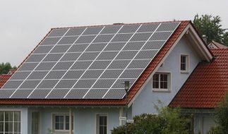 Regelmäßige Sichtkontrollen an Solaranlagen (Foto)