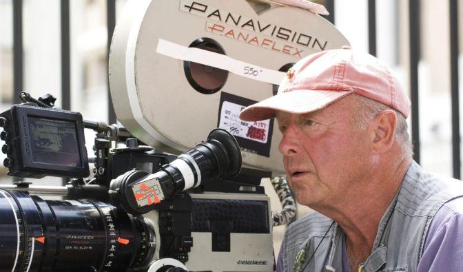 Regisseur Tony Scott ist tot. Der gebürtige Brite nahm sich nach US-Medienangaben am Sonntagmittag das Leben. Er sprang von einer Brücke im Hafen von Los Angeles. (Foto)