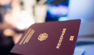 Reisepass vergessen? Die Bundespolizei am Frankfurter Flughafen kann deutschen Passagieren in vielen Fällen einen Passersatz ausstellen. (Foto)