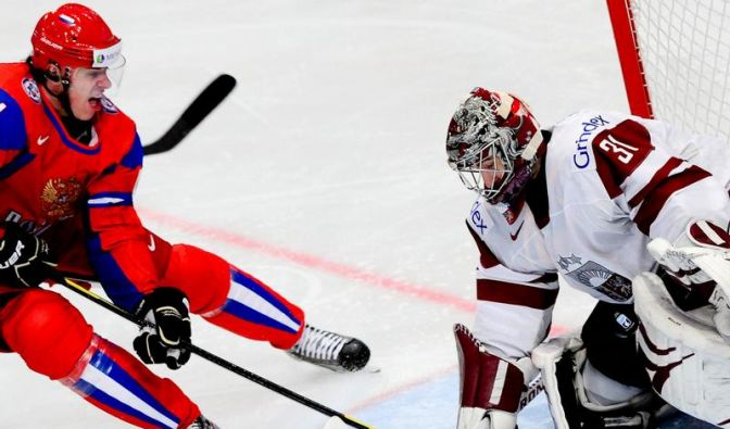 Rekordweltmeister Russland fertigt Lettland 5:2 ab (Foto)