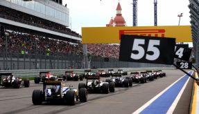 Rennwagen der Formel 1 beim Großen Preis von Russland in Sotschi am 11. Oktober 2015. (Foto)