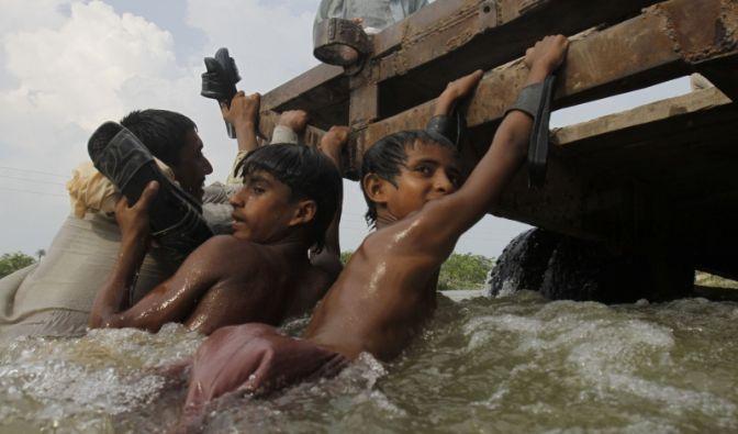 Rettung aus den Fluten (Foto)
