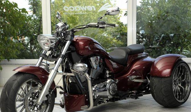 motorrad rewaco baut victory vegas zum dreirad um. Black Bedroom Furniture Sets. Home Design Ideas