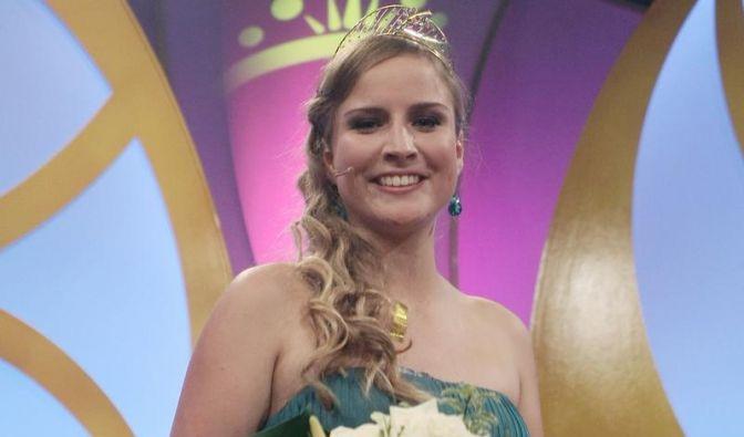 Rheinhessin Annika Strebel holt Krone der Weinkönigin (Foto)