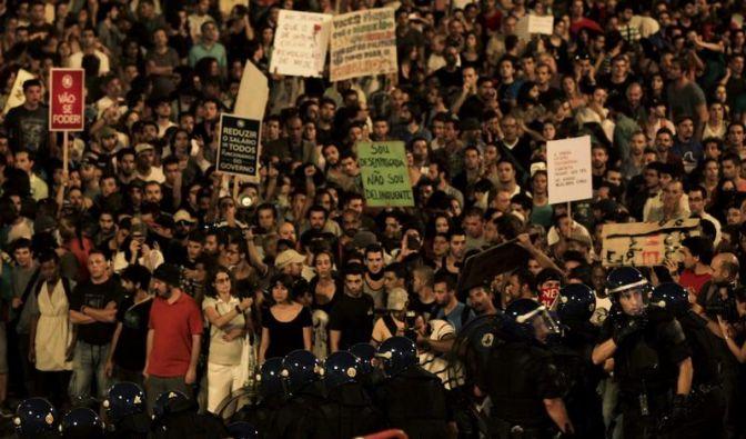 Riesenproteste gegen Sparpolitik in Portugal und Spanien (Foto)