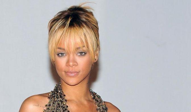 Rihanna war als Kind auf der Suche nach Ufos (Foto)