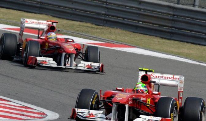 Rot, aber noch keine Göttin: Ferrari in Not (Foto)