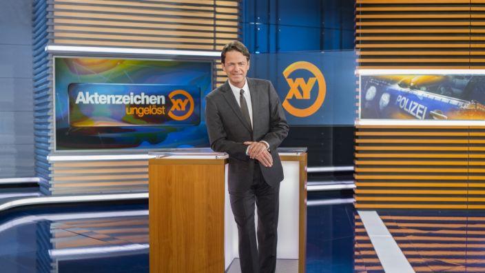 """Rudi Cerne berichtet bei """"Aktenzeichen XY... ungelöst"""" über ungeklärte Kriminalfälle. (Foto)"""