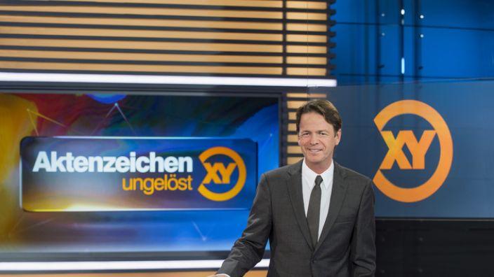 """Rudi Cerne präsentiert """"Aktenzeichen XY... ungelöst"""". (Foto)"""