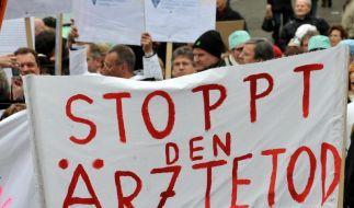 Rund 30.000 Ärzte wollen heute ermutlich protestieren, statt zu behandeln. (Foto)