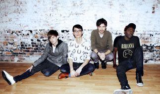 Russell Lissack, Matt Tong, Gordon Moakes und Kele Okereke (von links) haben die Freude am Zusammenspiel wieder entdeckt. (Foto)