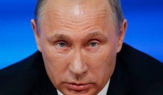 Russland am Pranger! Wladimir Putin soll auch Flüchtlingslager in Syrien bombardiert haben. (Foto)