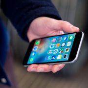 Schädigen Smartphones die Augen? (Foto)