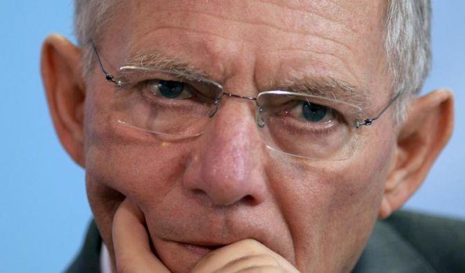 Schäuble: Griechenland muss sich helfen lassen (Foto)