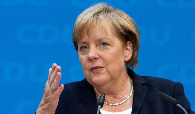 Schäuble ruft zu Kampf für Euro auf (Foto)