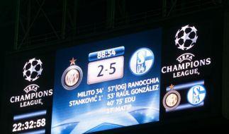 Schalke feiert das Wunder von Mailand  (Foto)
