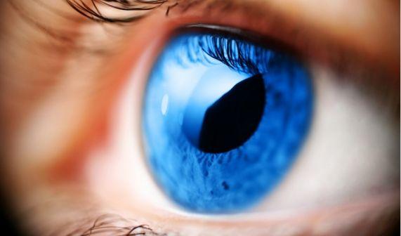 Scharf sehen ohne Brille oder Kontaktlinsen - eine Augenlaser-Behandlung macht's möglich. (Foto)
