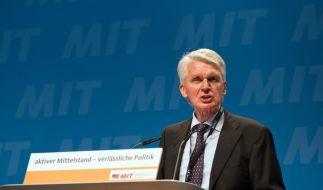 Scharfe Kritik an Angela Merkel: Der Bundesvorsitzende der Mittelstands- und Wirtschaftsvereinigung von CDU/CSU (MIT), Josef Schlarmann. (Foto)