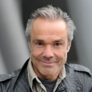Schauspieler Hannes Jaenicke ist wieder solo. (Foto)