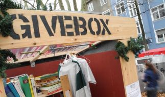 Schenken statt Shoppen: «Givebox» erobert die Straßen (Foto)