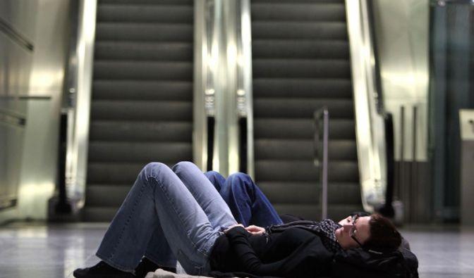 Schlafende Fluggäste (Foto)