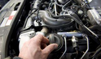 Schmierstoff für den Motor: Warum Öl so wichtig ist (Foto)
