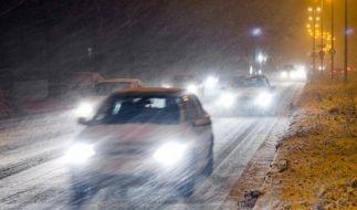 Schnee und glatte Straßen: Unfälle und Staus (Foto)