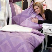 Kräftige Farben oder Pastelltöne: Die Bettwäsche im Schlafzimmer wird immer mehr auf das Gesamtdesign abgestimmt.