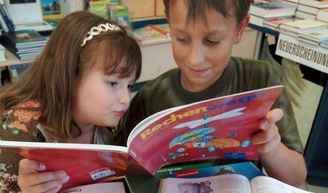 Schulbücher.jpg (Foto)