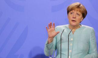 Schulnote 3,3 für Angela Merkel. Die Bundesbürger schätzen die Regierungsarbeit der Kanzlerin lediglich als befriedigend ein. (Foto)