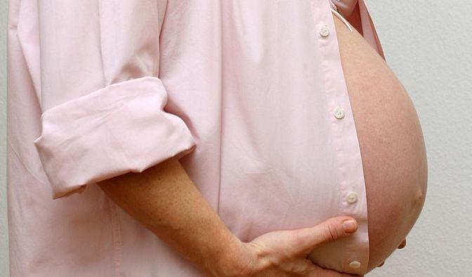 Schwangerschaftsstreifen: Massagen beugen vor (Foto)