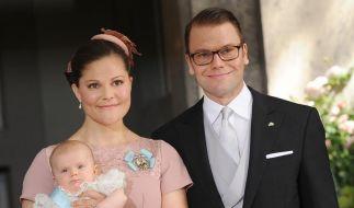 Schweden bejubeln Victorias 35. Geburtstag mit Baby (Foto)