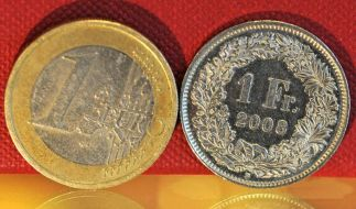 Schweizer Nationalbank setzt Mindestkurs zum Euro fest (Foto)