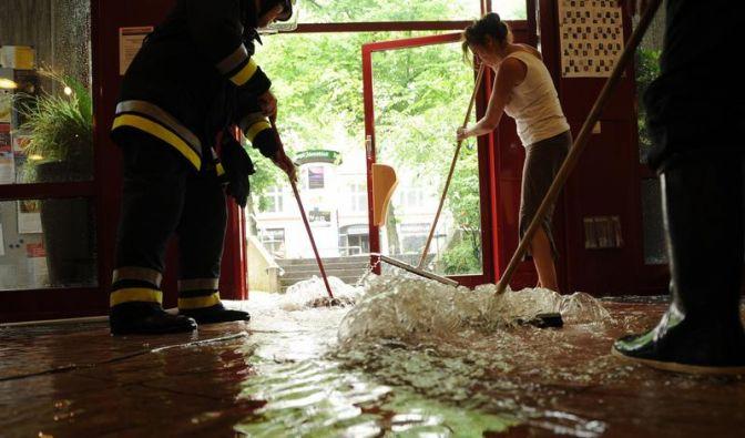 Schwere Schäden nach Überschwemmung (Foto)
