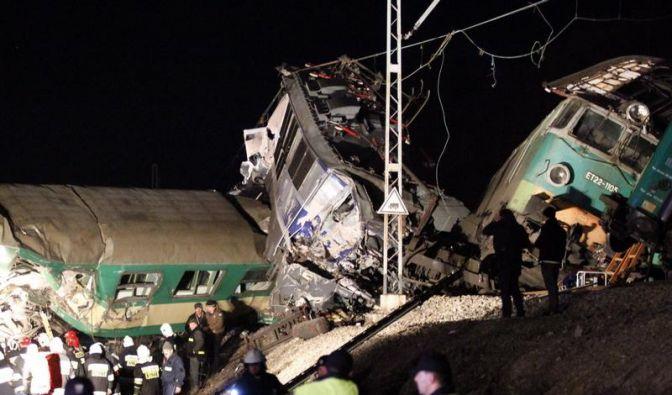 Schweres Zugunglück in Südpolen (Foto)