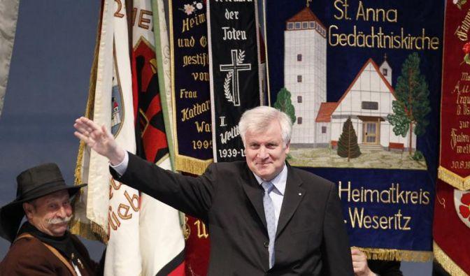 Seehofer fordert Entschädigung deutscher Zwangsarbeiter (Foto)