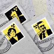 Der Ausschnitt eines Plakats gegen Atomenergie zeigt Bundeskanzlerin Angela Merkel, den FDP-Vorsitzenden Guido Westerwelle und den CSU-Vorsitzenden Horst Seehofer,