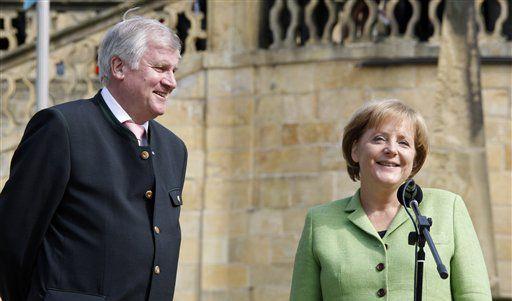 Seehofer und Kanzlerin Merkel im Kloster Banz bei Bad Staffelstein. (Foto)