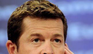 Seehofer will Guttenberg zurueck in die Politik holen (Foto)