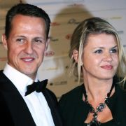 michael schumacher news es geht bergauf schumi frau. Black Bedroom Furniture Sets. Home Design Ideas
