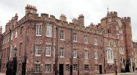 Seit Anfang des Jahres kann man im Apartment des St. James Palasts wohnen. (Foto)
