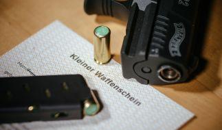 Seit November nahm die Zahl der Waffenscheine um mehr als 21 000 zu. (Foto)