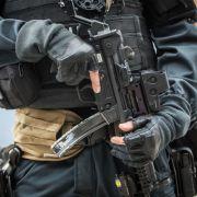 SEK-Einsatz in Sachsen! Polizei nimmt 2 Personen fest (Foto)
