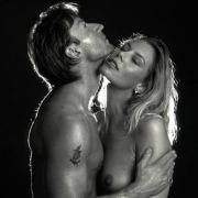 Sexuelle Erregung unterdrückt Ekelgefühl gegen Schweiß, Spucke oder Sperma.