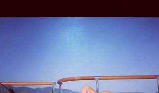 Sexy: Rihanna twitter sich beim Sonnenbaden. (Foto)