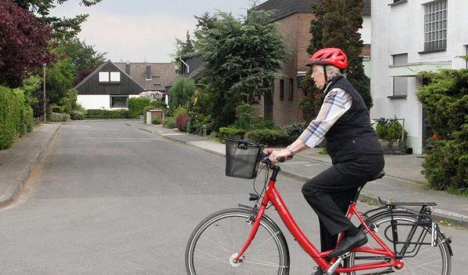 Sicherheit im Verkehr: Tipps für ältere Radfahrer (Foto)