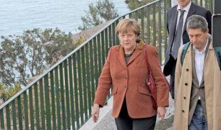 Sichtlich genervt vom Fotografen: Angela Merkel auf Osterurlaub. (Foto)